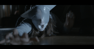 """Woman In Peril"" meets the Home Invasion horror movie in Intruder."