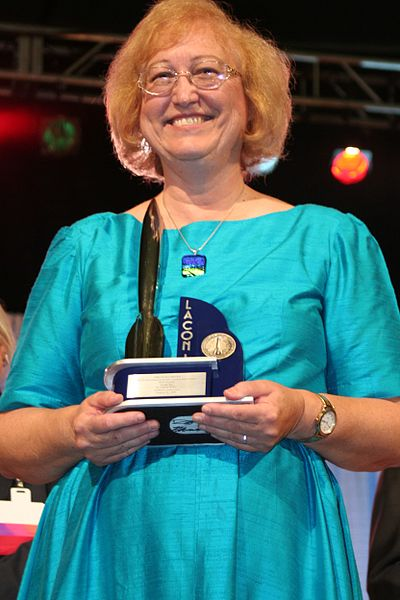 Connie Willis with her 2006 Hugo
