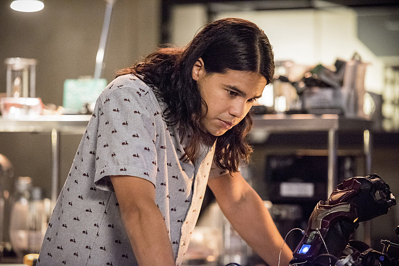 Cisco's got some baggage now. (Dean Buscher/The CW)