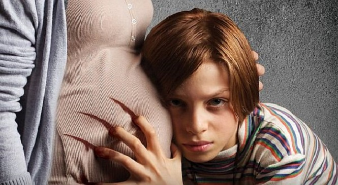 Netflix Acquires Aaron Burns' Horror MADRE