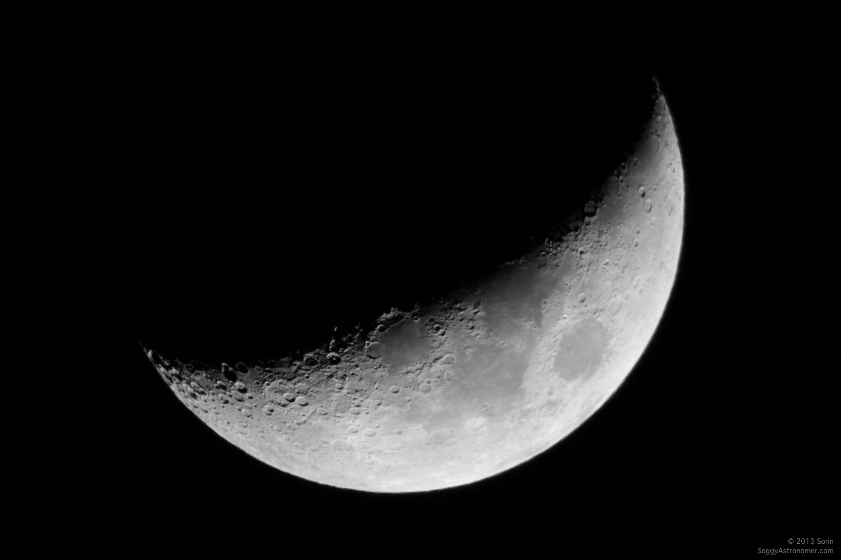 Crescent Moon – The Soggy Astronomer