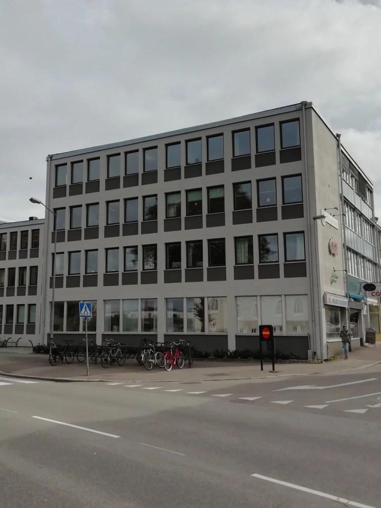 Svea y Pablo - Edificio en Kalmar - 9 cosas a las que tienes derecho sin personnummer