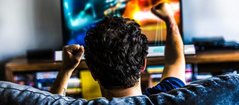 UltraHaptics-Review-Touch-video-game-playing-gaming-Haptic-Augmented-Reality-Technology-Article-future