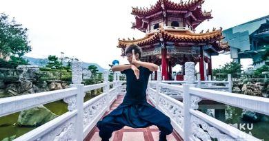 Contact-Juggling-His-Skills-are-Totally-Hypnotizing-Kuma-Films-Zheng-Jhe-Video-Art-Taipei-Taiwan