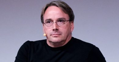 LinuxCon_Europe_Linus_Torvalds_05_edited