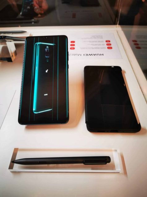 Huawei Launches Its First Commercial 5G Smartphone Huawei Mate 20 X (5G) 1