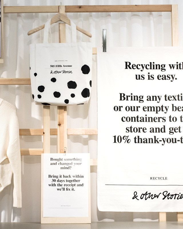 Recycling textiles