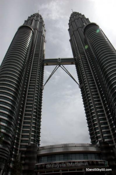 Photos: Petronas Towers in Kuala Lumpur | Architecture in Malaysia