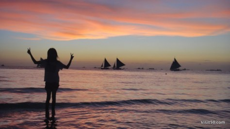 the gorgeous sky made for some awesome sunset silhouettes in Boracay Philippines
