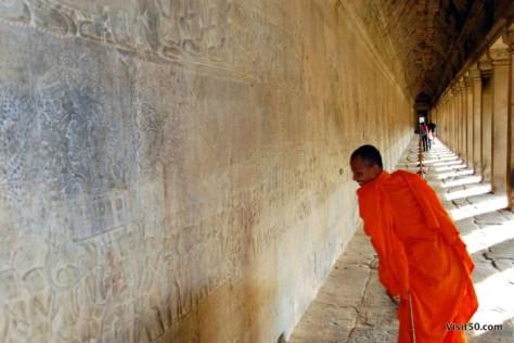 Buddhist monk explores Angkor Wat