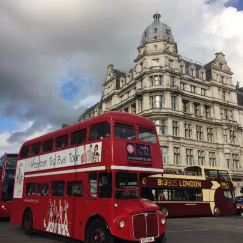 Mit dem Bus Nr. 9, 11 könnt ihr London entdecken.