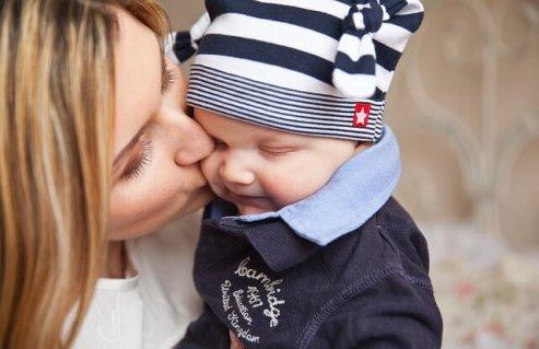 Eine Mutter mit ihrem Kind