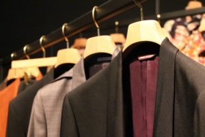 スーツ,クリーニング,保管,目安