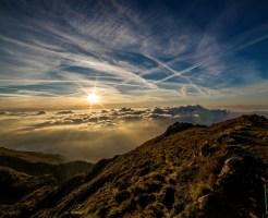 山から見る光