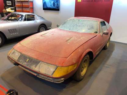 Barn Find! This Ferrari 365 GTB/4 Daytona was found in Japan. It was sold new to Quattroruote Editor who was Enzo Ferrari's personnal Friend. This is why she's the only road Daytona to have an aluminium body.