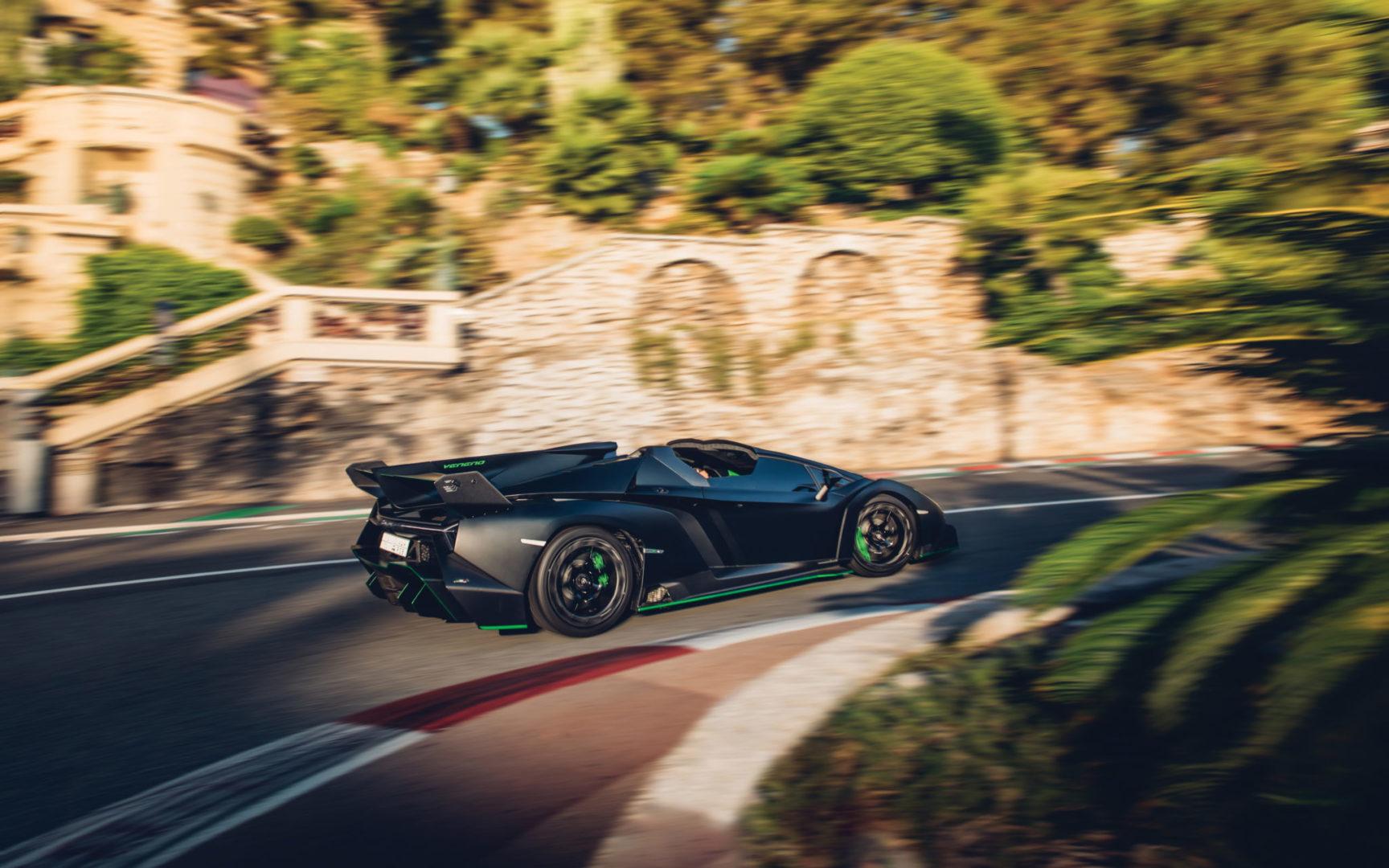 2015-Lamborghini-Veneno-Roadster-_14 (1)