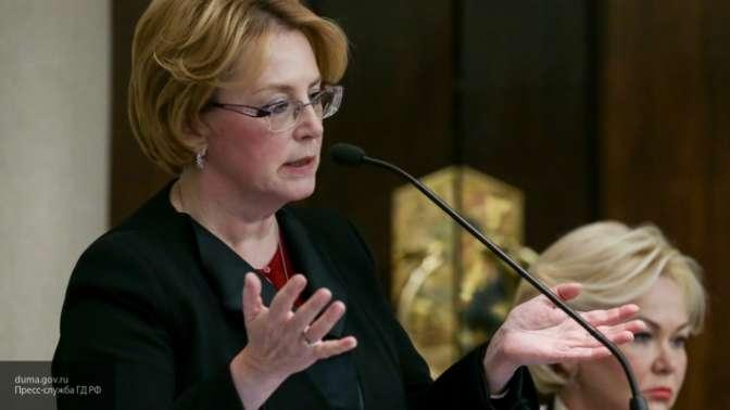 Руководителя Министерства здравоохранения наградили заспасение женщины всамолете