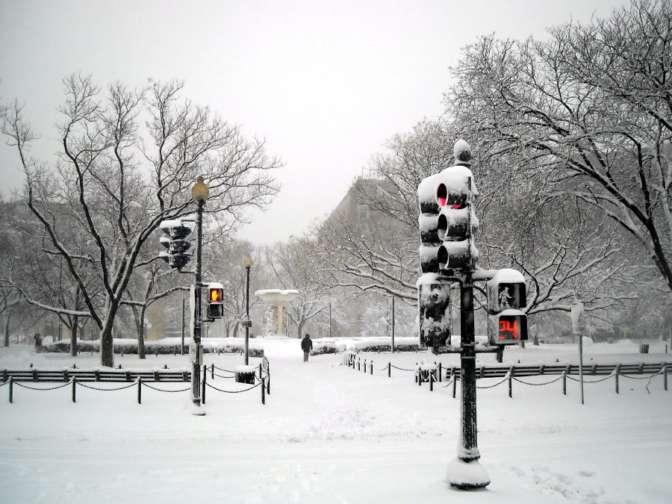 Снежная буря предполагается ближайшие часы наВосточном побережье США