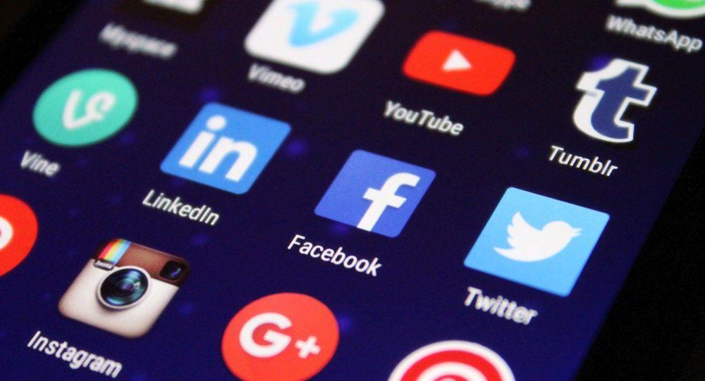 Опросы показывают, что более 60% американцев выступают за запрет талибов во всех социальных сетях