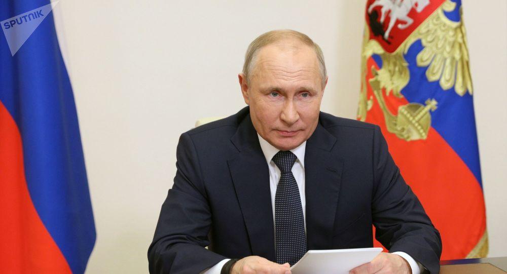 Путин: Мы «дадим по зубам» любой стране, которая попытается откусить кусок России