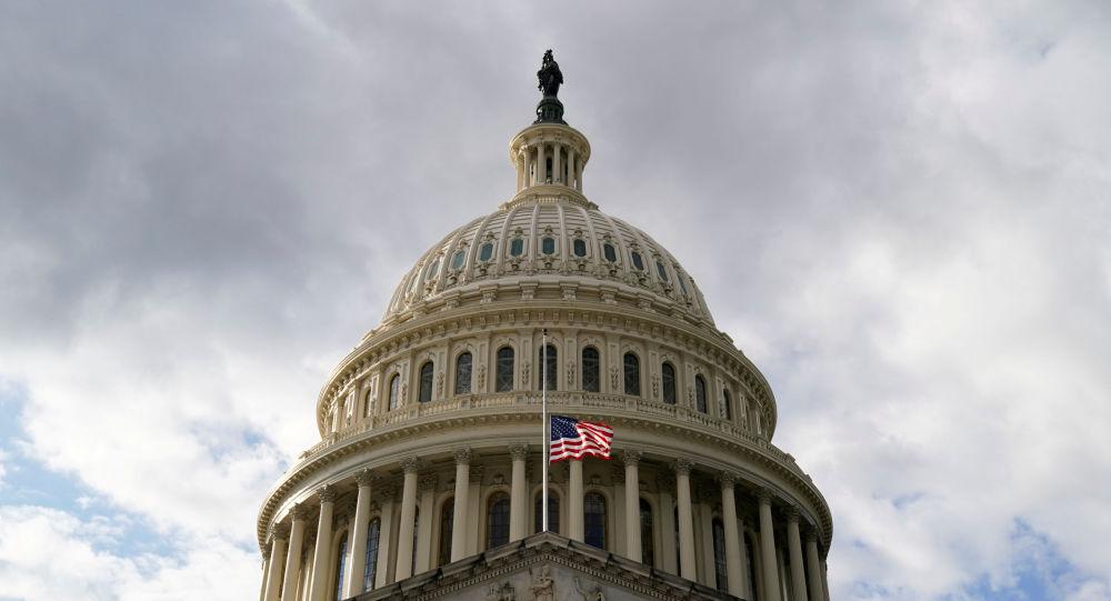 Республиканцы Мэсси, Тейлор-Грин Бин разорвали «письмо Пелоси» о нарушении мандата в отношении масок