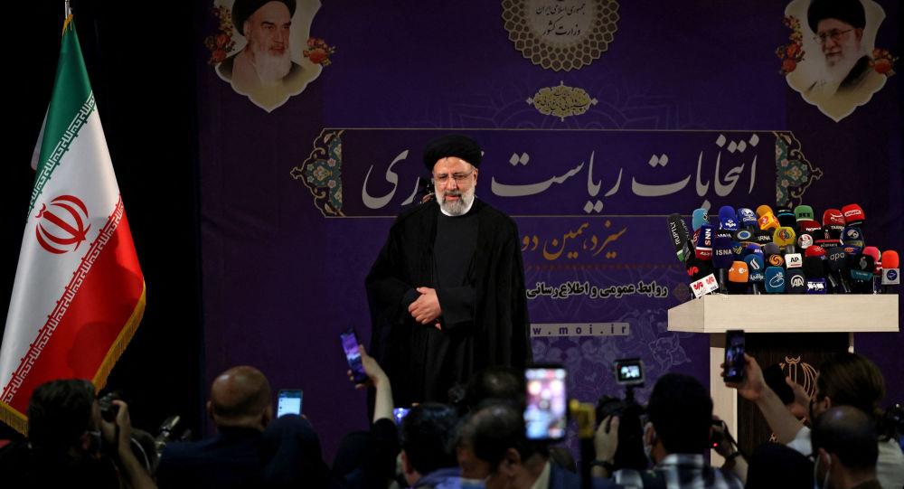 В сообщениях говорится, что экс-спикер парламента Ирана, главный судья будет баллотироваться на президентских выборах