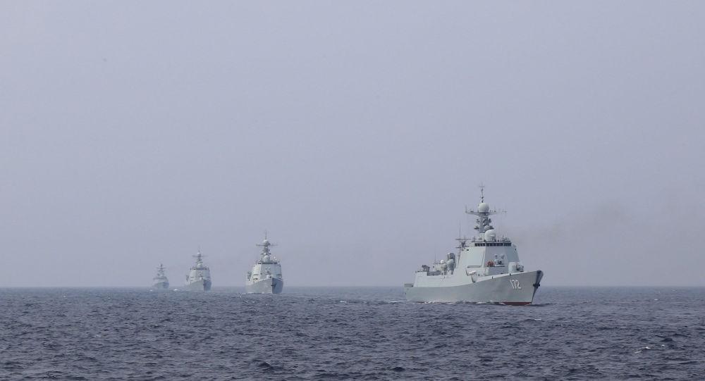 ВМС Китая проводят учения в Южно-Китайском море на фоне прибытия ударной группы авианосцев из Великобритании