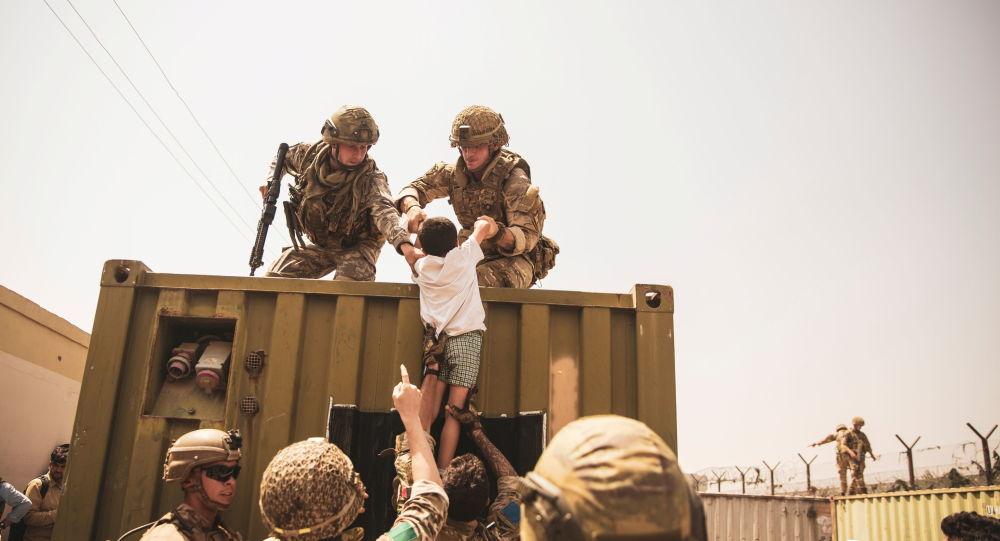 Американский репортер говорит, что ее команда WaPo была спасена британскими войсками из Кабула, поскольку США не смогли «обеспечить безопасность»
