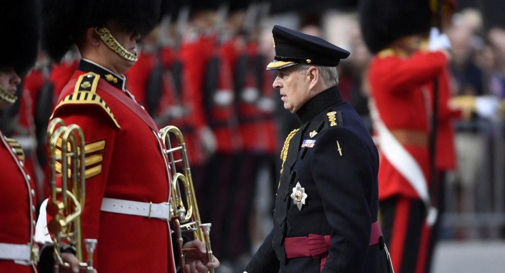 Королевские помощники, как сообщается, опасаются «несоответствий» в истории принца Эндрю на фоне судебного процесса в США