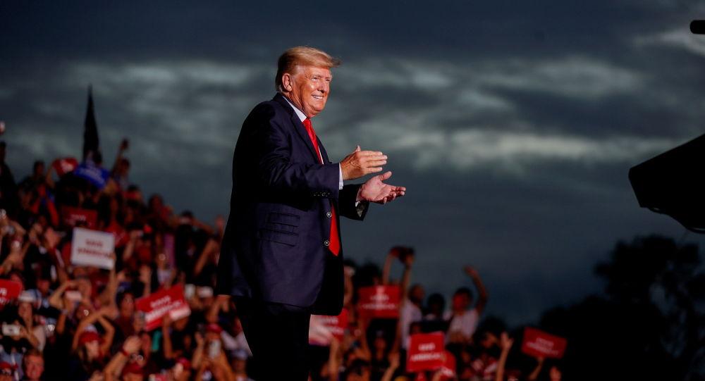Связанные с Трампом PAC получили 82 миллиона долларов за полгода с тех пор, как республиканский POTUS покинул Белый дом