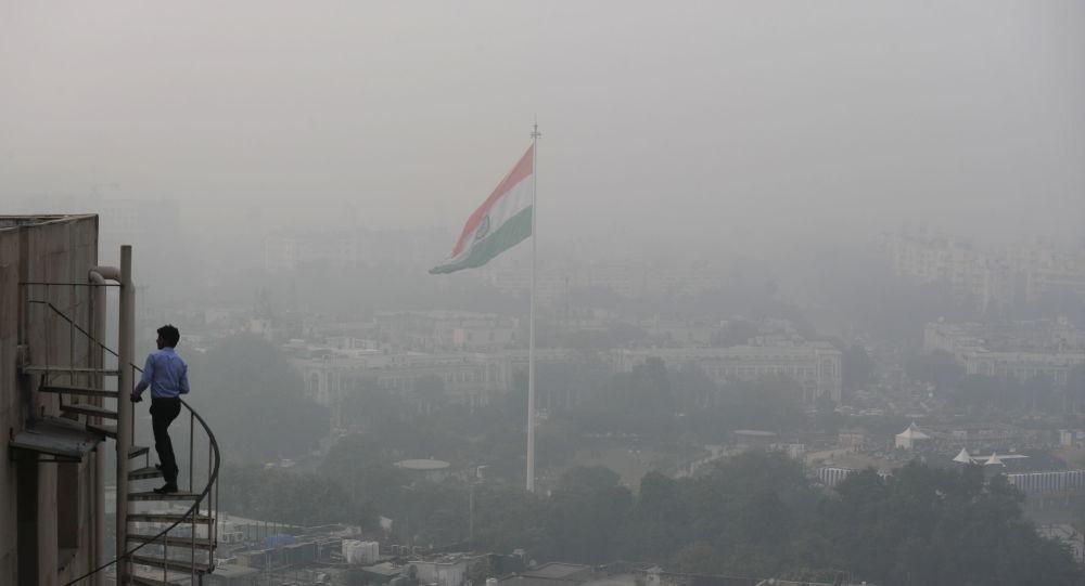 В преддверии сезона смога в Нью-Дели появится первый в Индии «очиститель воздуха»