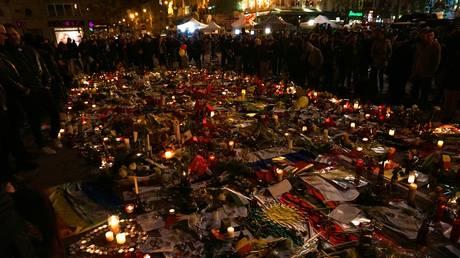 10 человек будут осуждены за взрывы в Брюсселе, в результате которых погибли 32 человека, а 6 подозреваемых уже предстали перед судом за теракты в Париже
