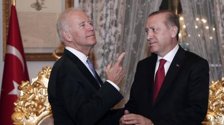 Эрдоган заявил, что отношения между США и Турцией « нездоровы » и не смогли « хорошо начаться с Байдена »