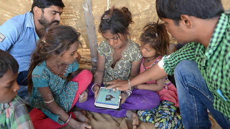 Переход на дистанционное обучение отбросил сотни миллионов детей в Южной Азии из-за отсутствия онлайн-устройств — ЮНИСЕФ
