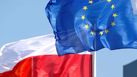 Венгрия осуждает « высокомерный » Брюссель за попытку наказать Польшу за судебную реформу и обвиняет ЕС в построении империи
