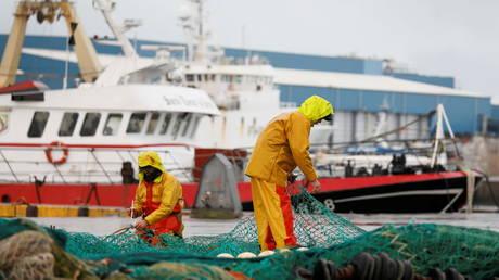 Франция предупреждает, что введет санкции в отношении Великобритании, если споры из-за вылова рыбы после Брексита не будут разрешены