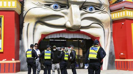 Мельбурн превосходит Буэнос-Айрес и устанавливает мировой рекорд по количеству времени, проведенному в условиях изоляции