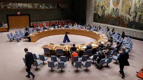 Путин отвергает реформу вето Совета Безопасности и заявил, что ООН « умрет в тот же день » и превратится в «клуб дебатов»