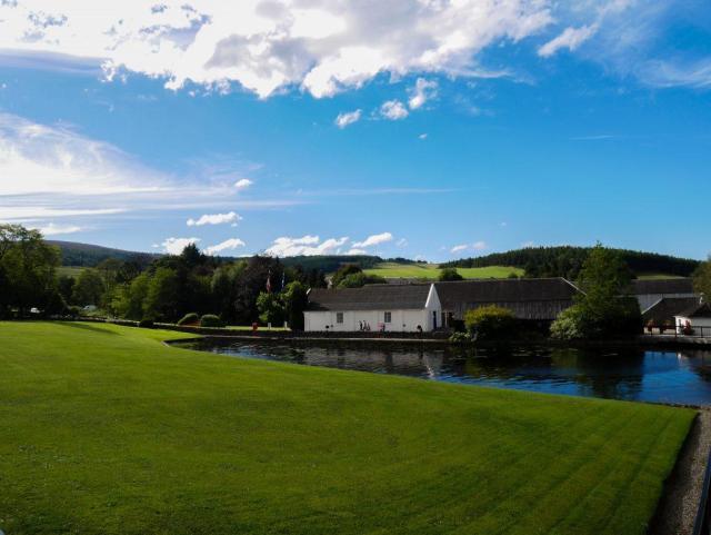 La distillerie de Glenfiddich vue de l'extérieur