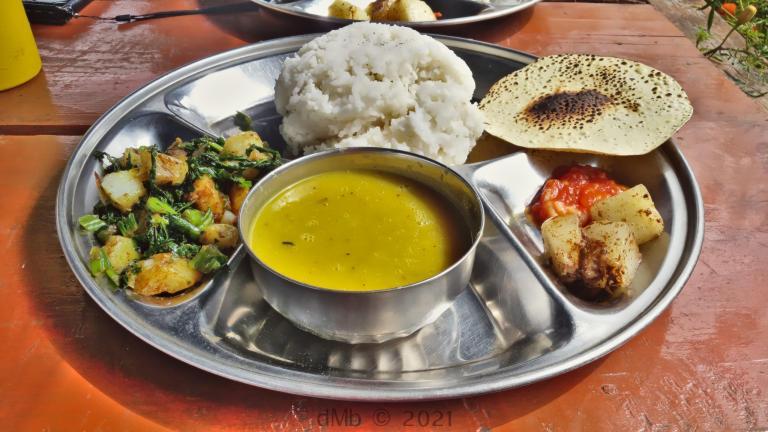 Une proposition de Dal Bhat dans une des teahouse