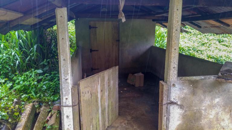 La cabane sous la pluie © dMb 2020