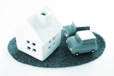 住宅の駐車場に適したコンクリートの厚さはどれくらいか?