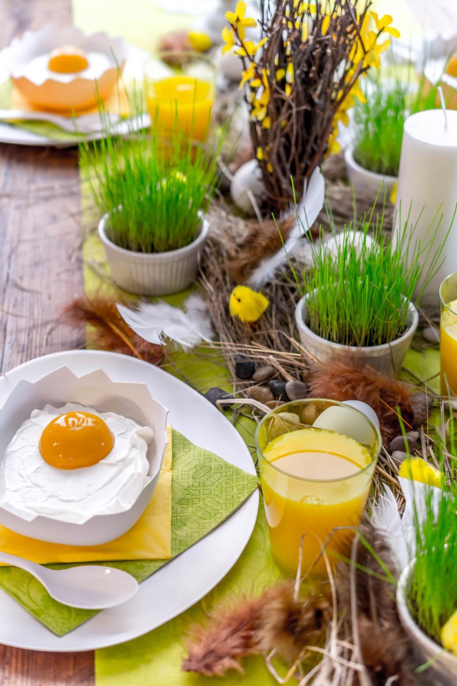 Keväinen pääsiäiskattaus mummulan malliin