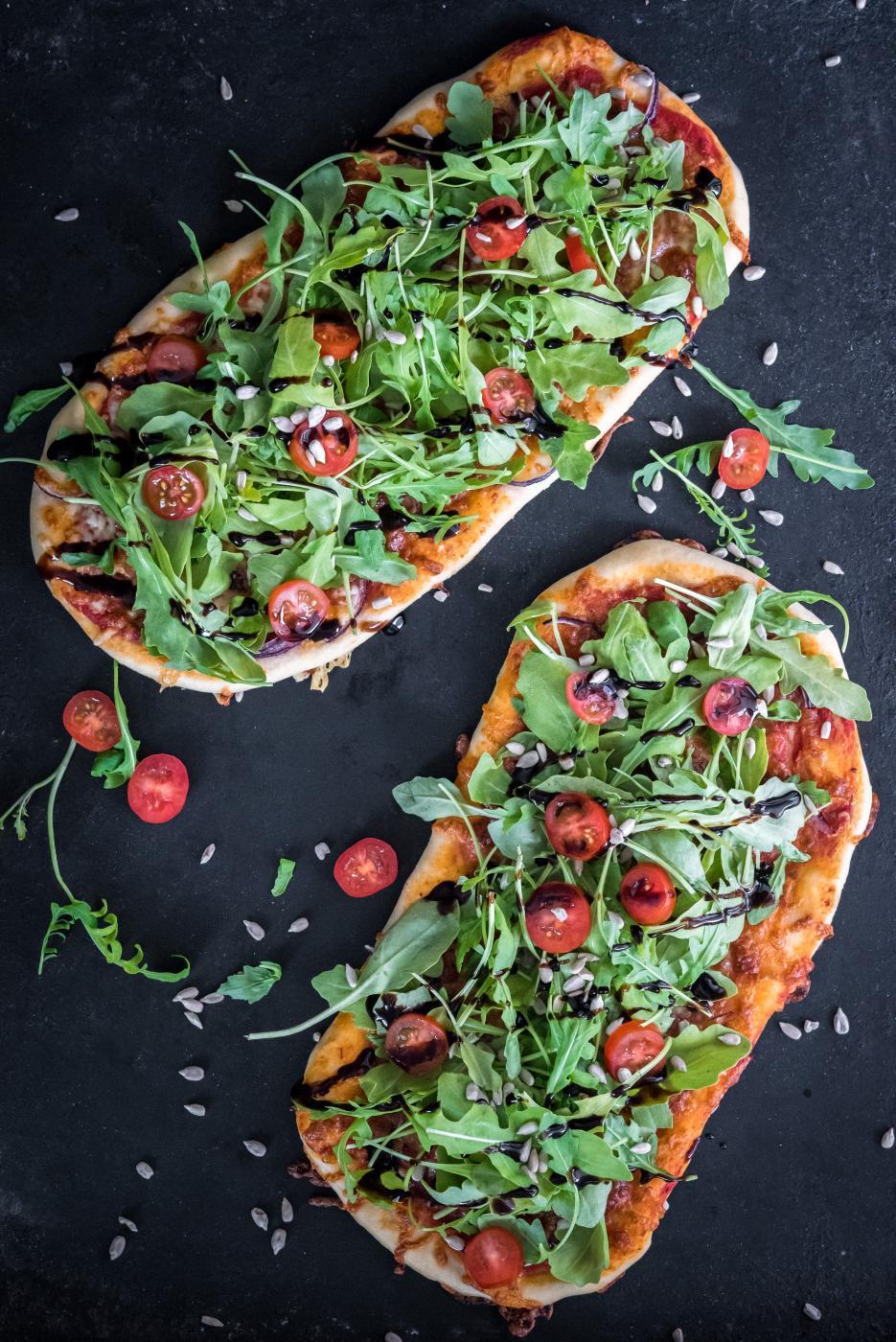 Kepeä salaattipizza
