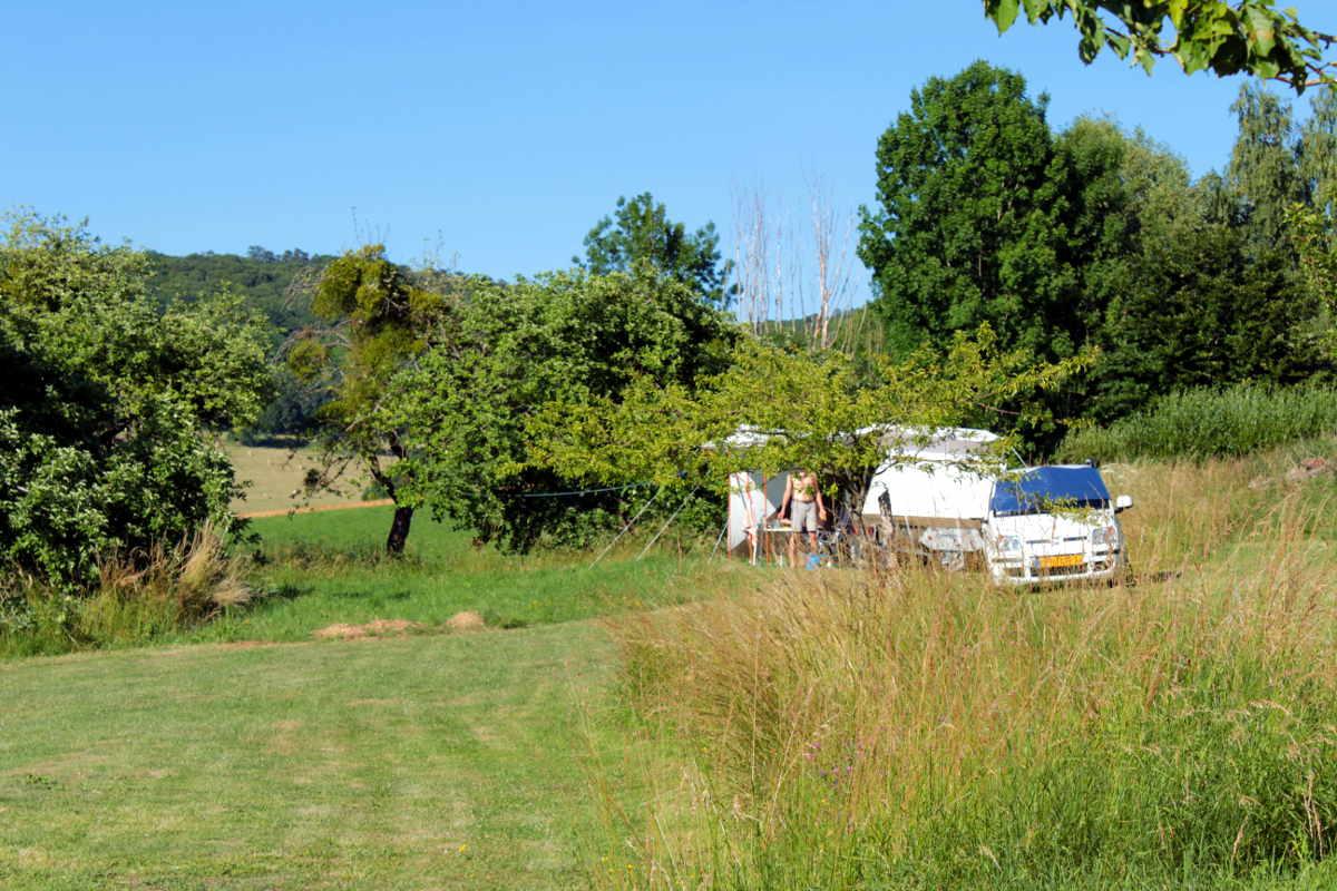Campingplek bij de Fruitbomen