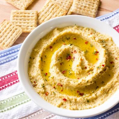 Simple-Hummus-Without-Tahini-5