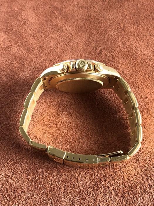 ロレックスデイトナ16528g8pダイヤ文字盤の竜頭側から