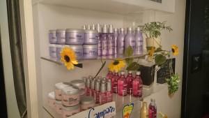 ケミカル美容院の展示シャンプー