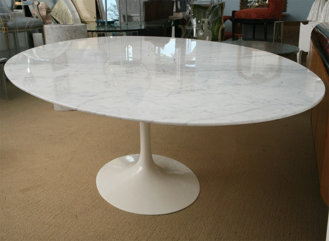 VINTAGE SAARINEN OVAL MARBLE DINING TABLE at 1stdibs
