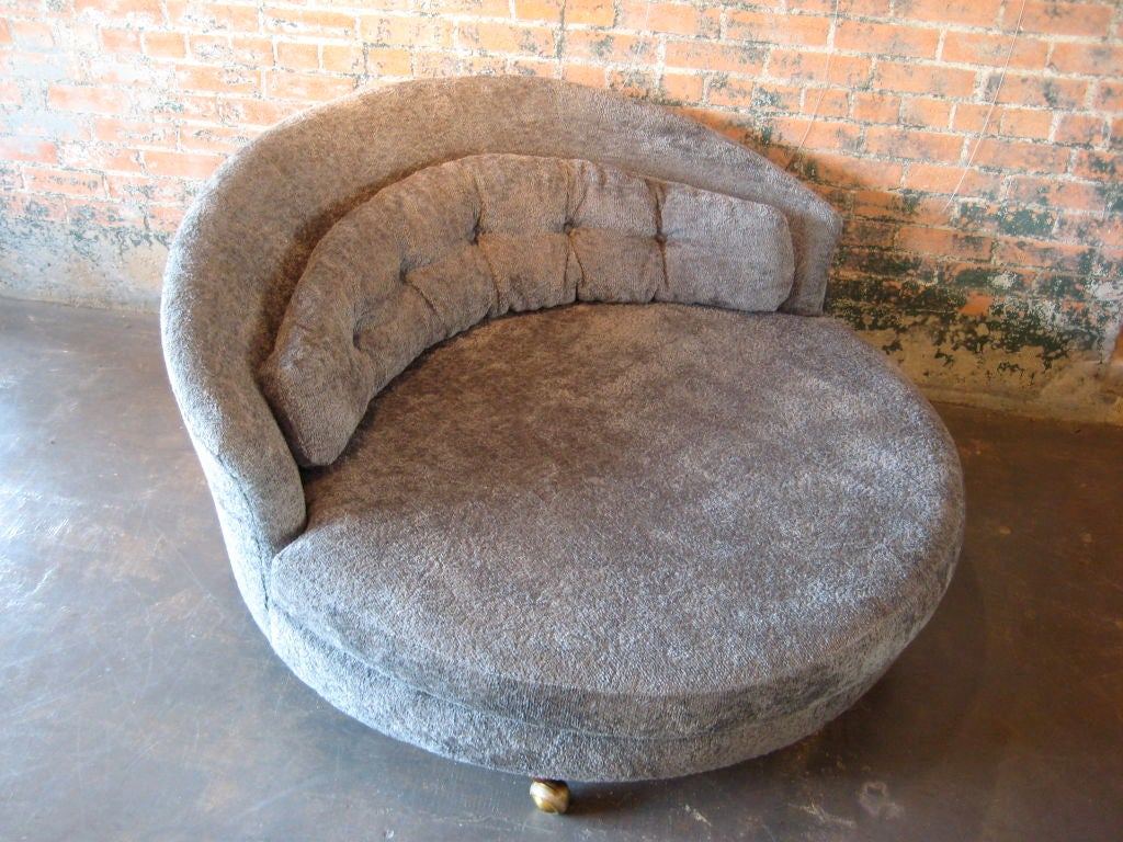three sixty round sofa lounger barrow leather power motion large lounge chair at 1stdibs